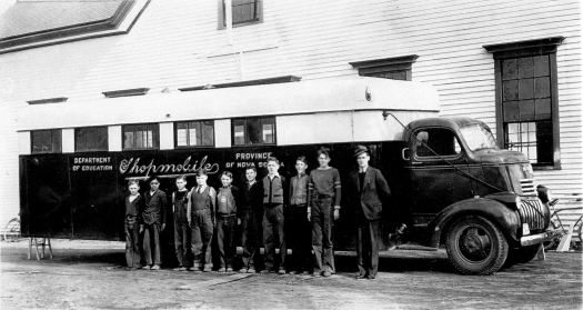 Shopmobile in the early 1940s in Canard