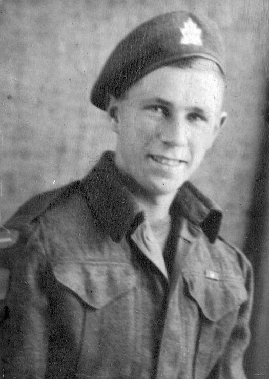 Pte. Glen Allen in 1943